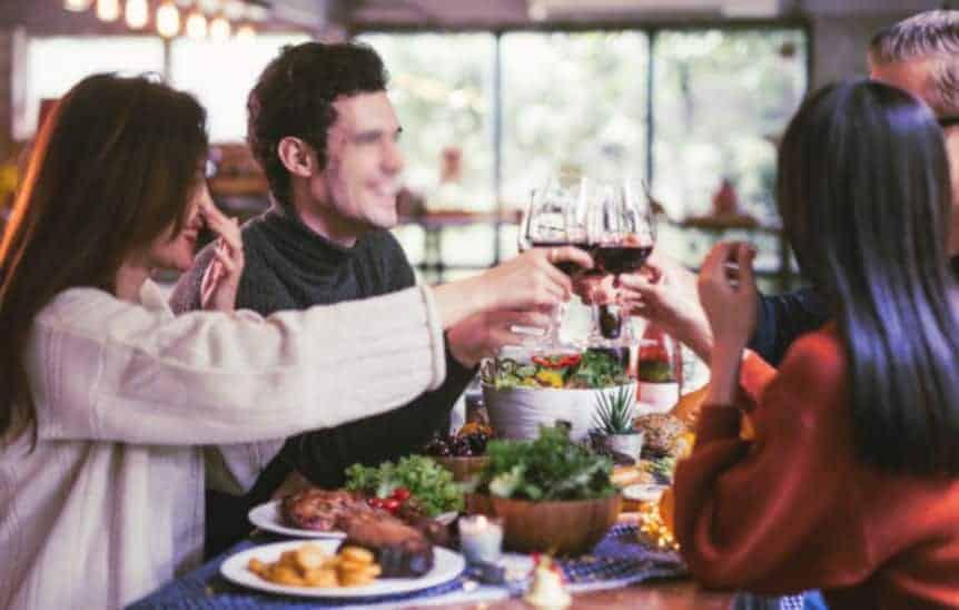 Repas chez des amis – L'occasion d'oser de nouvelles choses