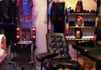 Choisissez bien vos accessoires pour pratiquer le BDSM en chambre, en club ou dans un donjon