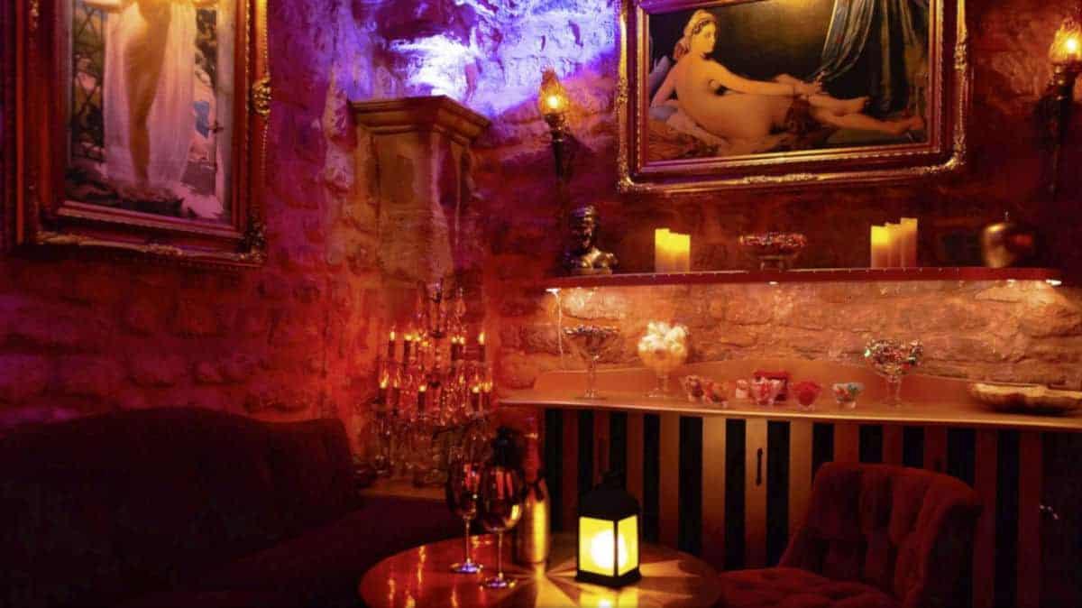Une soirée au Taken Club, lieu libertin à Paris 4ème