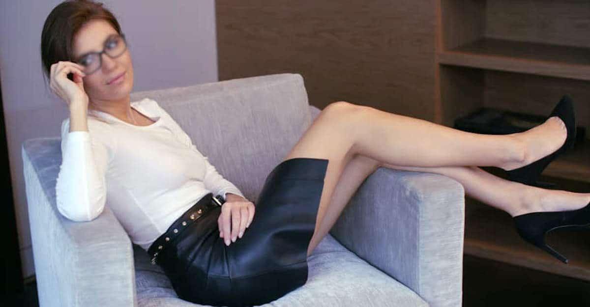 Au travail, porter une jupe en cuir ne signifie pas vouloir être sexy à tout prix