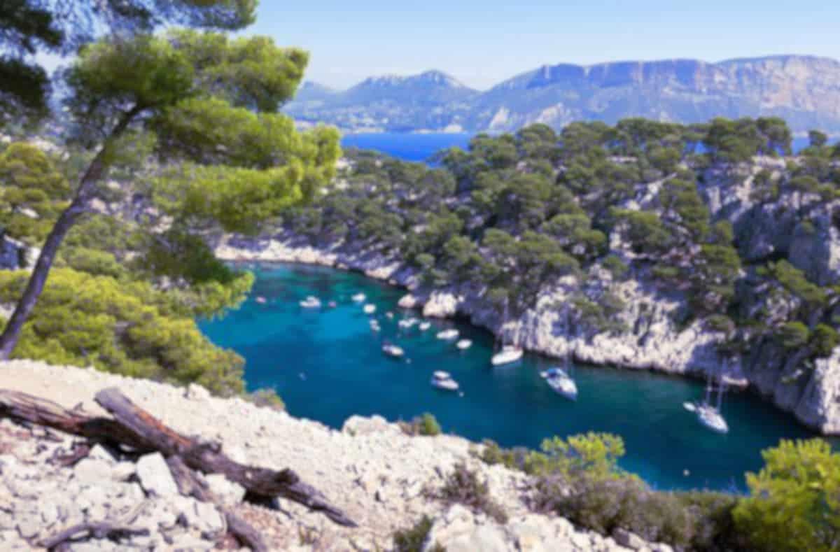 Toulon et ses alentours attirent les couples et hommes seuls voulant du sexe sans tabou