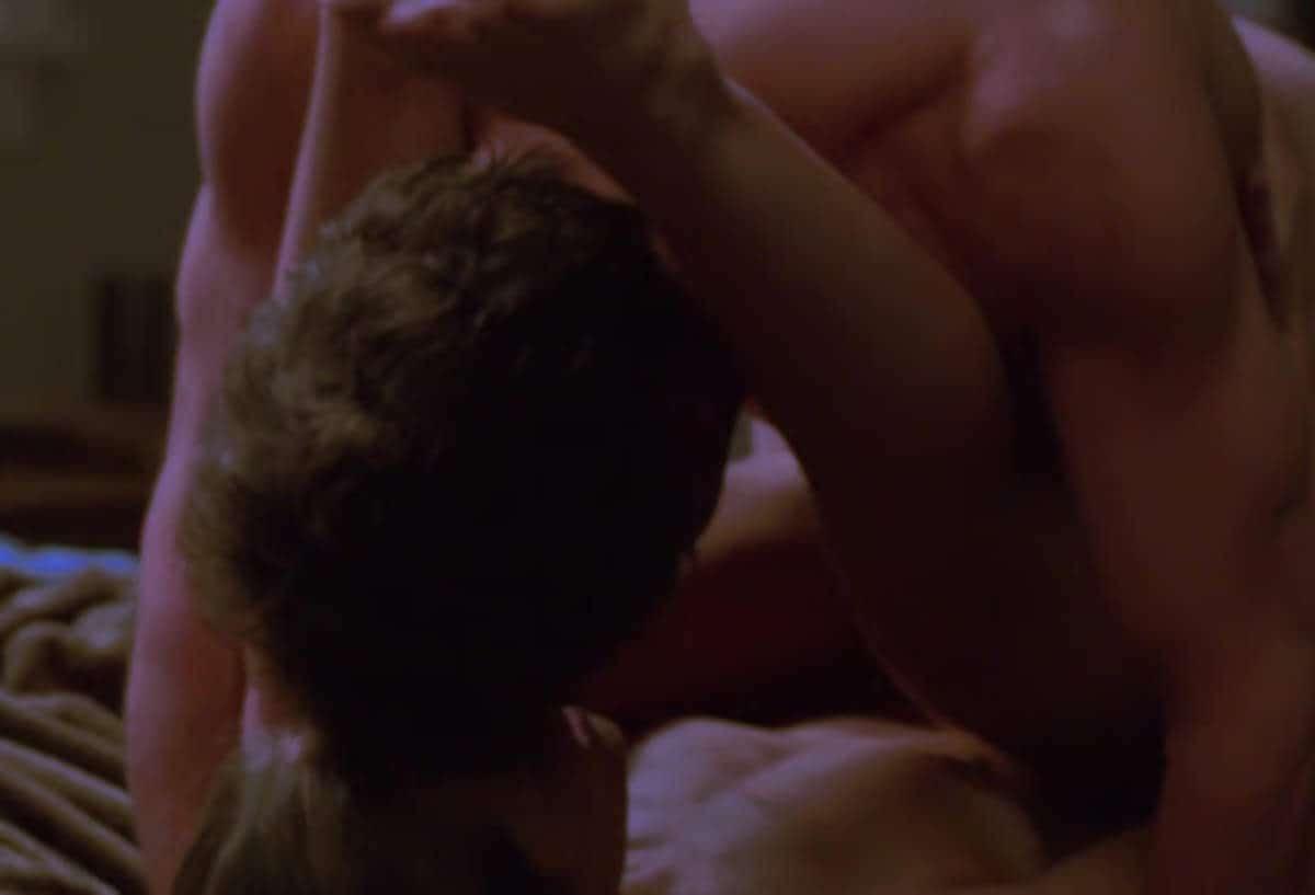 Dans les séries il y a souvent un beau gosse musclé qui baise la femme des autres